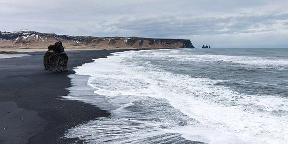Black Sand Beach bij  Vik, IJsland