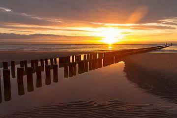 Paalhoofd zonsondergang van Danny Bastiaanse Photography