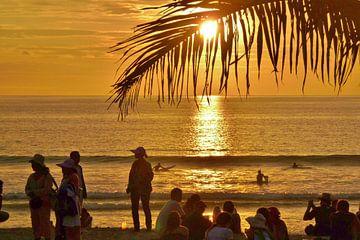 Zonsondergang op Bali. van