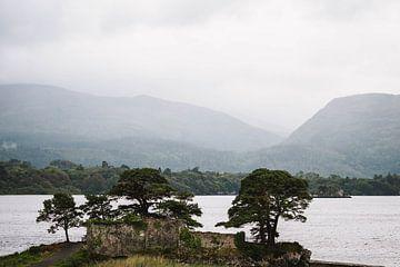 Rotsen en water in Ierland van elma maaskant