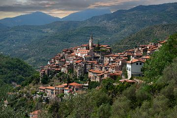 Bergdorp Italië van Brian Morgan