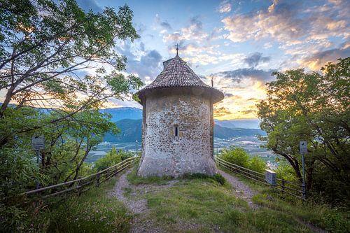 Zonsondergang bij kasteel