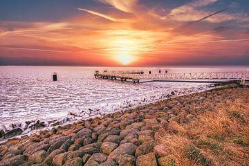 Arktischer Sonnenaufgang von peterheinspictures