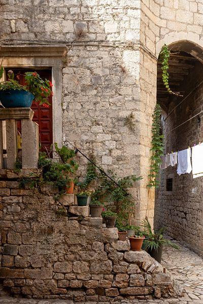 Straten van Trogir van Nina Rotim