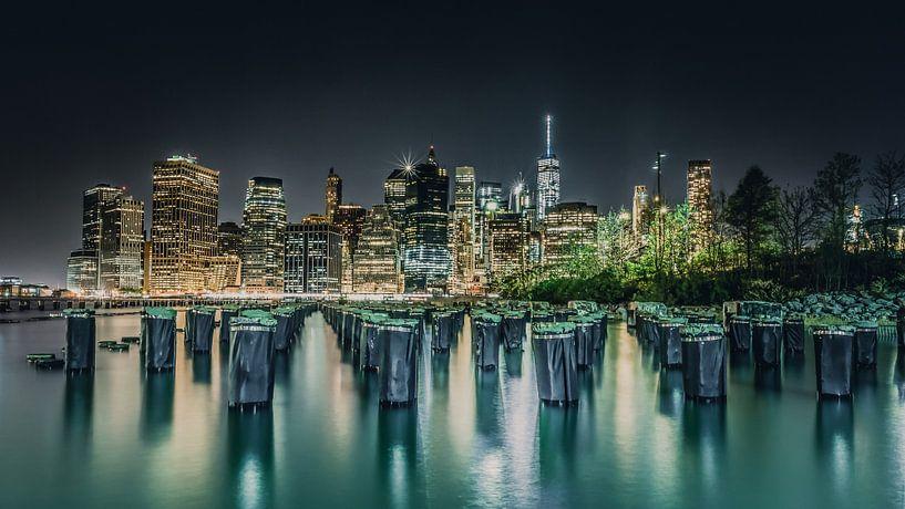 Kleurrijke skyline van the Big Apple New York van Bert Nijholt