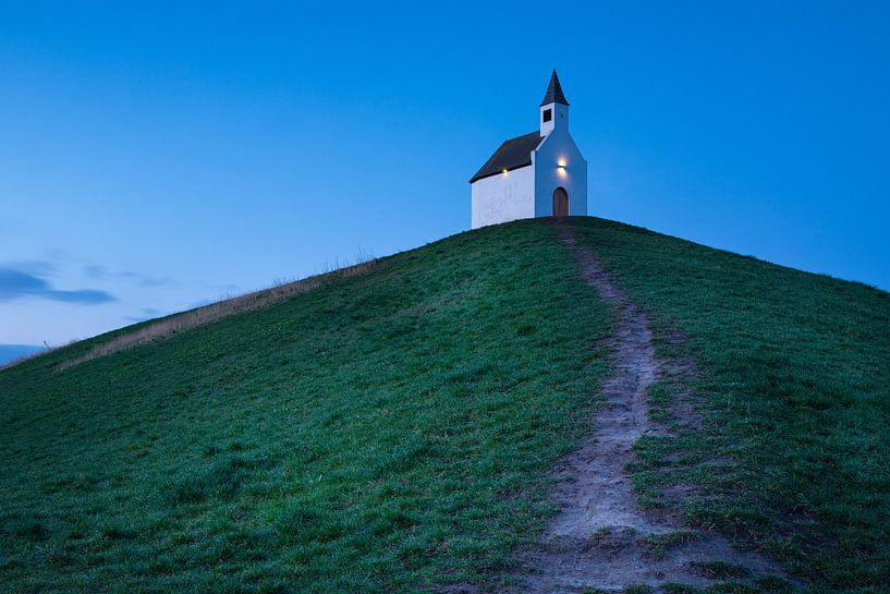 Église sur un monticule sur Jan van der Vlies