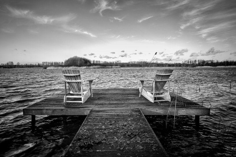 Uitzicht over het meer. van Pieter van Roijen