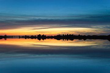 Zonsondergang Folkertsleat in Nationaal Park De Alde Feanen von Fonger de Vlas