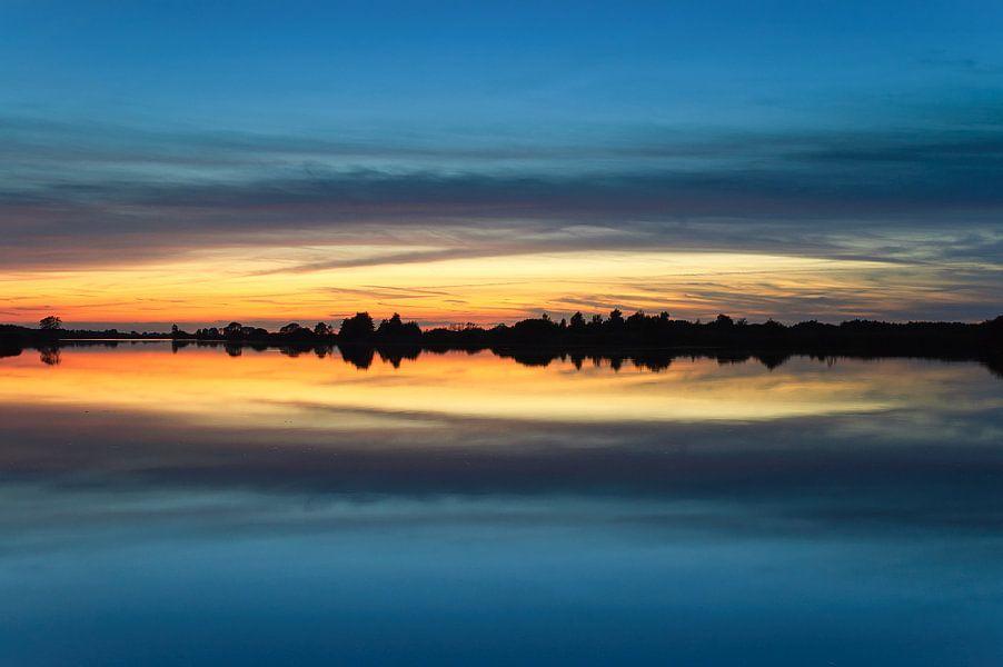 Zonsondergang Folkertsleat in Nationaal Park De Alde Feanen van Fonger de Vlas
