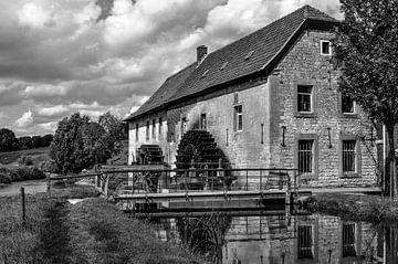 Watermolen van Wijlré. von Leo Langen