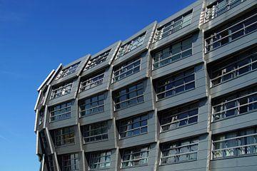 Detail van een modern flatgebouw van Jarretera Photos