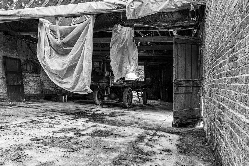 Verlassener landwirtschaftlicher Stall von Anjo ten Kate