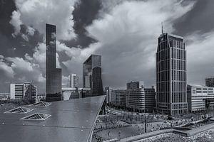 Uitzicht op het Centraal station in Rotterdam vanaf het Groothandelsgebouw