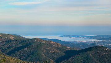 Zicht op de Baai van St Tropez van