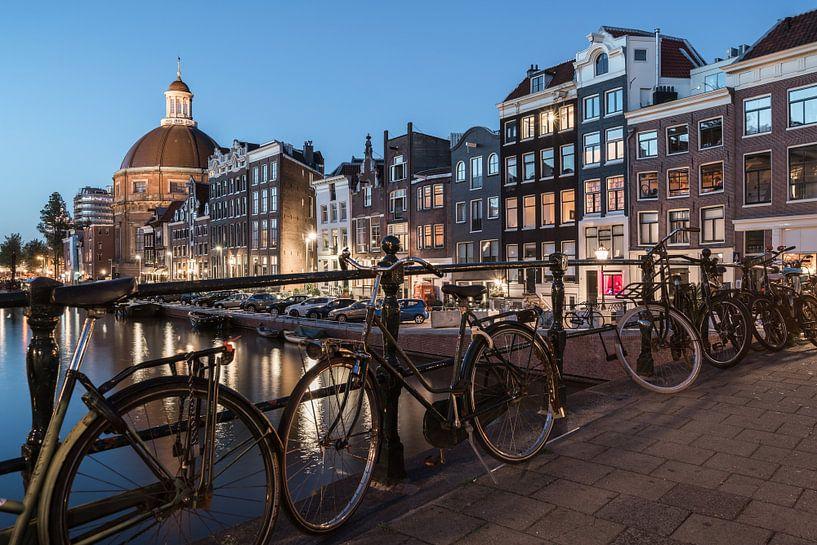Meanwhile in Amsterdam van Scott McQuaide