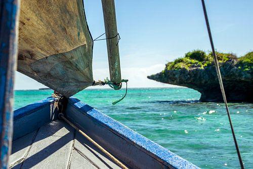 Turquoise zee van