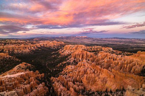 zonsondergang in Bryce canyon van Ton Kool