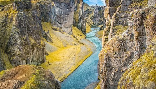 Tussen de bergen Ijsland van