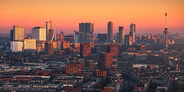 Panorama Rotterdam Skyline vanaf LEE towers 2:1 van Vincent Fennis