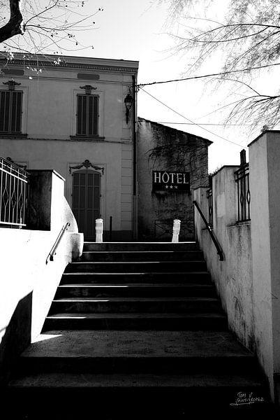 Place des Lices Saint-Tropez van Tom Vandenhende