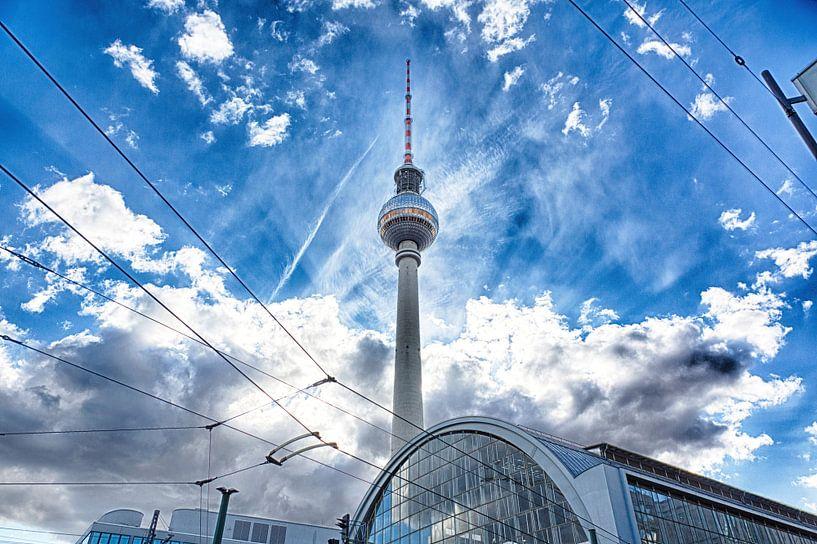 Alexanderplatz und Fernsehturm von Pierre Wolter