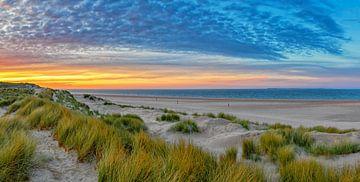Strand op Texel. van Justin Sinner Pictures ( Fotograaf op Texel)