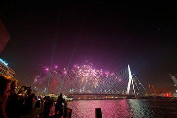 Nieuwjaar 2015 rond Erasmusbrug en De Rotterdam van Fons Simons