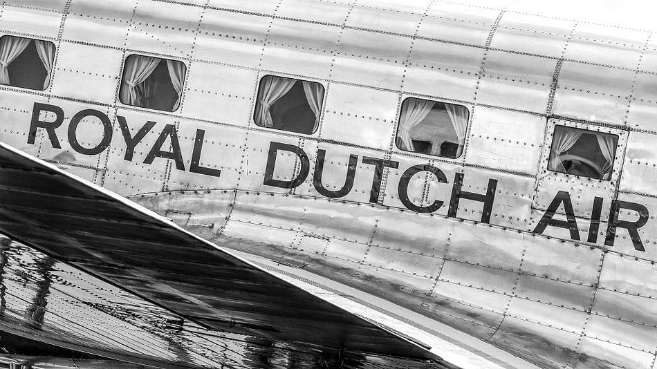 DC-3 staat te glimmen.