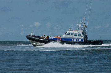 KNRM in actie op de Waddenzee. van Brian Morgan