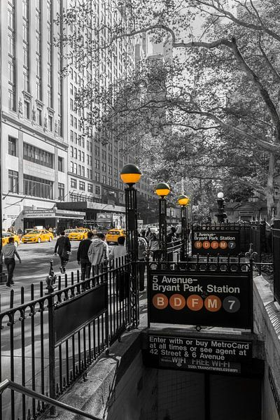 42 th Street  und Subway Station Braynt Park van Kurt Krause