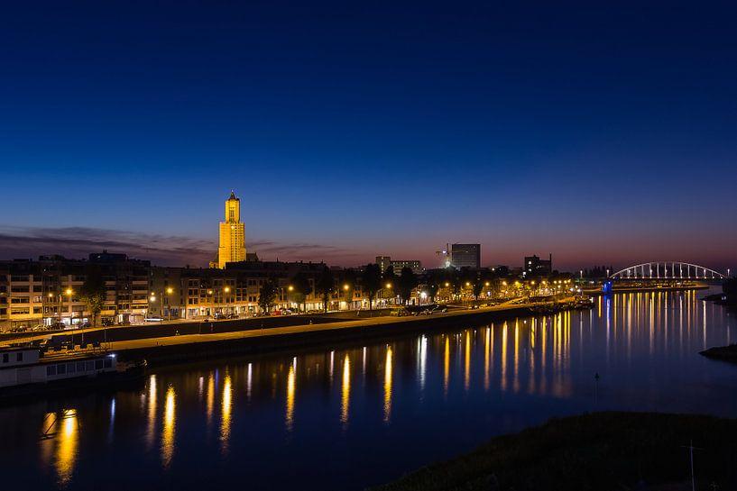 Skyline Arnhem bij zonsopkomst van Michel Vedder Photography