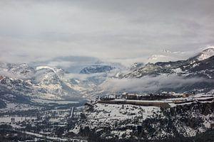 Mist in het dal bij Mont-Dauphin