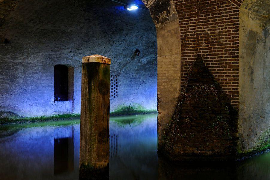 Kalisbrug over Oudegracht in Utrecht ter hoogte van Vismarkt van Donker Utrecht