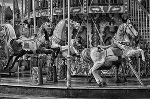 Antieke carrousel met paarden van Iris Heuer