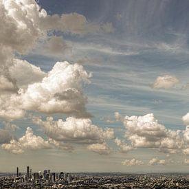 Wolken über der Stadt Brisbane von Bastiaan Schuit
