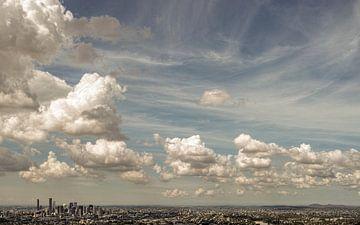 Wolken boven de Stad Brisbane van