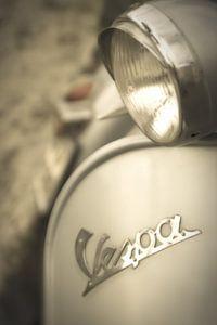 Roma: dreamy Vespa van