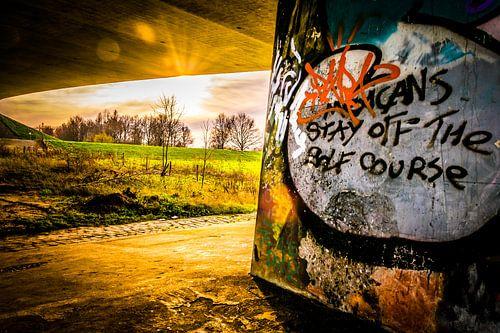 Graffiti onder brug