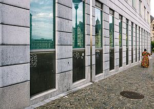 Straatbeeld Luik - België van Mischa Corsius