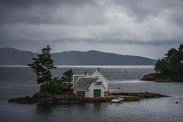 Hübsche Hütten am Wasser - Norwegen von Evy De Wit
