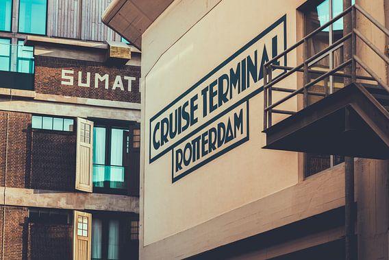 Cruise Terminal en Pakhuismeesteren in Rotterdam