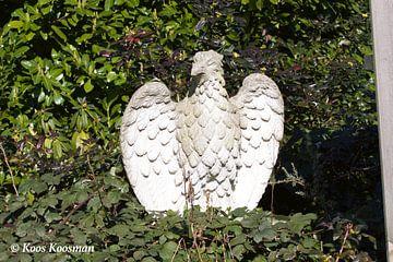 Stenen Vogel Standbeeld von Koos Koosman