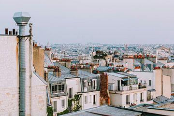Zonsondergang over de daken van Montmartre, Parijs van Eveline Smolders