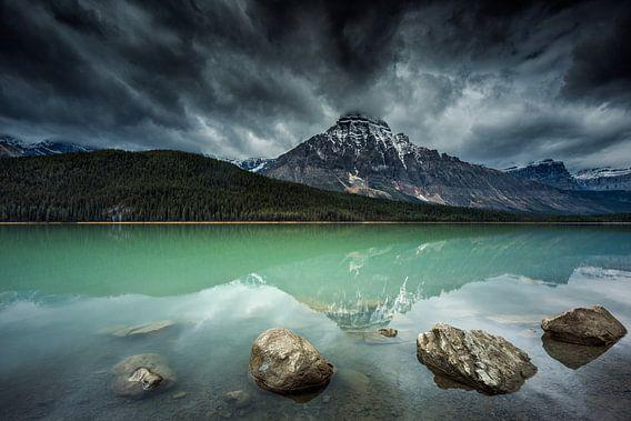 Waterfowl Lake van Arnaud Bertrande