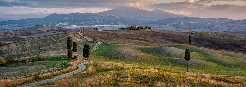 The Gladiator Road, Toscane Panorama van Teun Ruijters