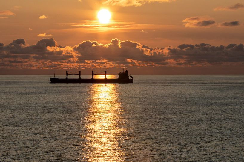 Ondergaande zon op de Baltische zee van Gertjan koster