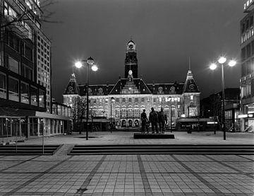 Rotterdam Stadhuis Maart 1982 Avondopname van Roel Dijkstra