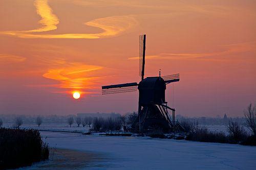 Kinderdijk Sonnenaufgang im Winter von Anton de Zeeuw