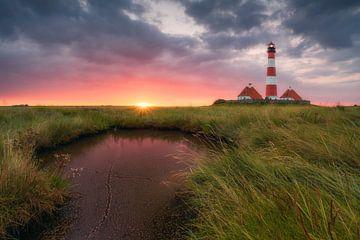 Terp Inferno (Lighthouse Westerheversand) van Dirk Wiemer