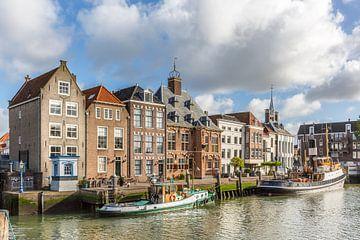 historische Gebäude auf der Stadhuiskade, Maassluis, Niederlande von Marc Goldman